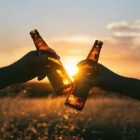 少量飲酒有益健康?  研究:滴酒不沾才是王道