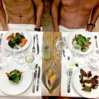 回歸原始「裸體餐廳」狀況多 胖子止步惹爭議