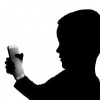 自殺遊戲再現?15歲俄籍少年 疑參加「MoMo挑戰」慘死自家後院