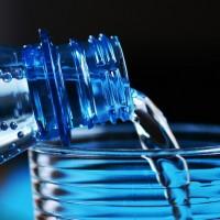 減塑不遺餘力 法國擬禁學校販售瓶裝水