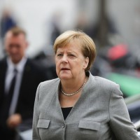 德國情治單位暗中協助右派民粹 内政部長滅火失敗將燒到梅克爾?