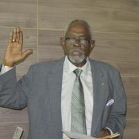 西非賴比瑞亞1億美元紙鈔消失!政府宣佈前總統兒子等人限制出境