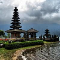 Indonesia's Bali to ban bikinis at shrines