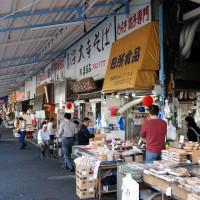 東京築地市場正式吹熄燈號!民眾含淚表示不捨
