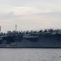 【快訊】美軍直升機墜落雷根號航母甲板 造成12人受傷