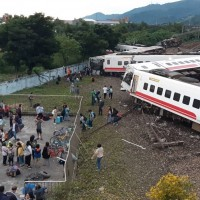 8 carriages were derailed in total