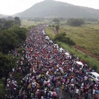 川普的謊言都是真的?墨西哥發現通緝犯藏身移民集團