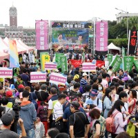 Environmental protest draws 3,000 in Taipei