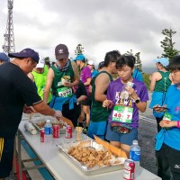 Marathon runners treated to local delicacies in Penghu, Taiwan