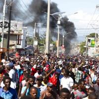 海地官員貪污民衆上街抗議爆衝突 目前6人死亡
