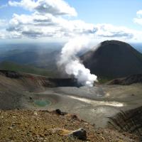 北海道雌阿寒岳火山近日地震頻頻 日氣象廳提高火山戒備等級