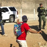 中美移民集團困境重重 美國逮捕69位非法越境者