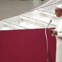 教宗方濟各:嚴厲禁止神職人員同性戀行為