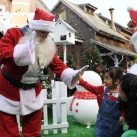 Santa coming to town, Taiwan's Leofoo Village offers NT$599 to visitors dressed in red or green