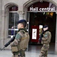 法國聖誕市集槍手遭警方擊斃