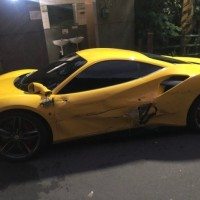 Damaged yellow Ferrari. (Internet image)