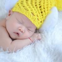 輕撫嬰兒肌膚 有助消除腦部痛苦活動