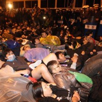 NTU: angry students confront former Taiwan Premier for 2014 violent crackdown on protester