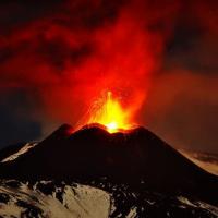 【快報】義大利西西里島火山爆發