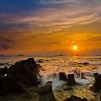 Bid the last sunset of 2018 goodbye at Kaohsiung's Sizihwan Bay