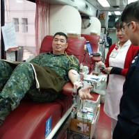 Taiwan military donates blood to boost reserves