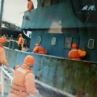 中國籍船越界驅逐無效 海巡登檢後發現10公斤豬肉