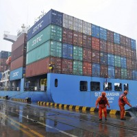 China's 2018 trade surplus with US hits record high $323B