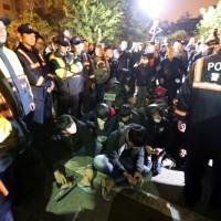 台南虐童案群情激憤 警方聲東擊西送走嫌犯