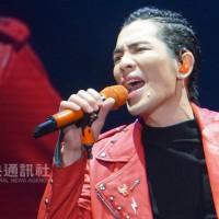 【快訊】蕭敬騰高雄第2場演唱會出意外! 樂手全體撤退