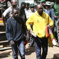 辛巴威調漲油價民衆不滿上街抗議 政府強力鎮壓回敬導致12人死亡