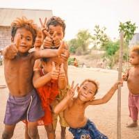 深入柬埔寨偏鄉服務 青年志工助學童建立正確衛教觀