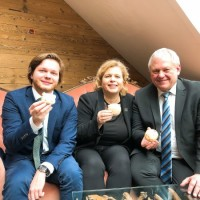 Taiwan Representative office in Germany shares 'year of the Pig' spirit with local politicians