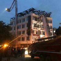印度飯店電線短路引發大火 至少17人死亡