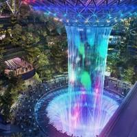 40公尺水瀑亮點 新加坡「星耀樟宜」4/17璀璨登場