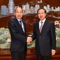 Han Kuo-yu with CCP official in Macau, Fu Ziying