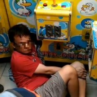 Man gets arm stuck inside claw machine in S. Taiwan