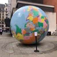 倫敦政經學院藝術品爭議 台生遞交萬人連署信