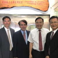 Former AIT director William Stanton visits I-Mei factory