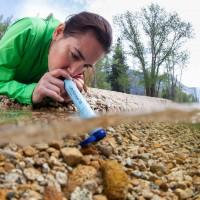 神奇吸管可去除水中99%汙染源  被譽為世紀最佳發明