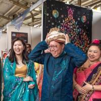 穿莎麗加手部彩繪 桃園春漾嘉年華感受印度文化魅力
