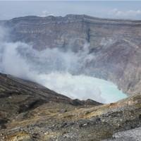 日本阿蘇火山噴發200公尺高 赴九州旅遊多留意相關訊息